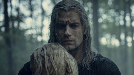 Henry Cavill als Geralt von Riva (wue/spot)