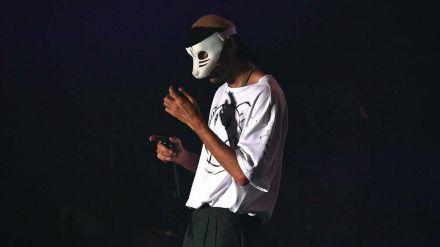 Fans rätseln, ob Musiker Cro seine Maske zeitnah ablegen wird. (cos/spot)