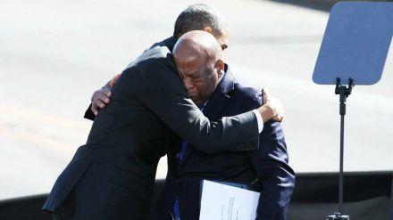 Der ehemalige US-Präsident Barack Obama mit John Lewis (vorne) (wue/spot)