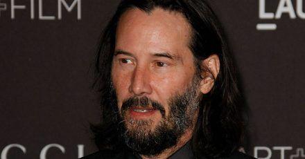 """Keanu Reeves schreibt bei """"BRZRKR"""" mit"""