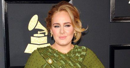 Adele zeigt hier ihre neue Figur - Fans erkennen sie kaum wieder