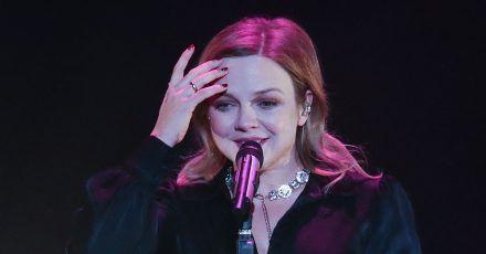 """Annett Louisan singt """"Hello"""" von Lionel Richie"""