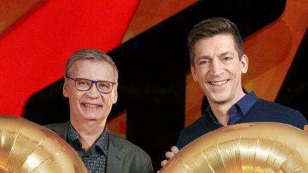 """Günther Jauch (l.) und Steffen Hallaschka feiern zusammen dass """"stern TV""""-Jubiläum (ili/spot)"""