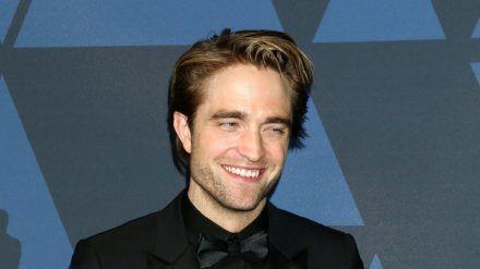 Nicht für eine Rolle als Baron Münchhausen geeignet: Das Lügen muss Robert Pattinson noch üben (stk/spot)