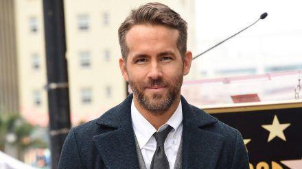 Ryan Reynolds will kanadische Jugendliche vom gemeinsamen Feiern abhalten. (jom/spot)