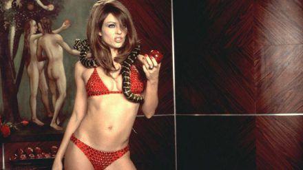 """Liz Hurleys neuestes Bikini-Foto erinnert an eine ihrer Szenen aus dem Film """"Teuflisch"""", die hier zu sehen ist. (ves/spot)"""