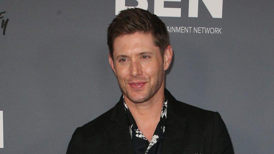 Jensen Ackles wird zum Superhelden. (cam/spot)
