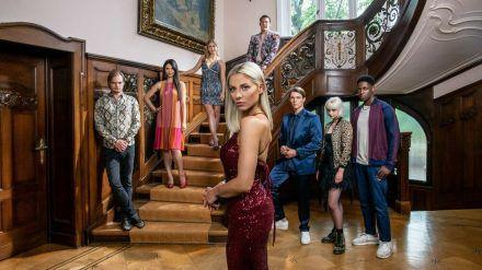 Der Cast um Valentina Pahde (Mitte) steht bereits fest (jom/spot)