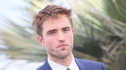 """Robert Pattinson ist in """"The Batman"""" als Dunkler Ritter zu sehen. (rto/spot)"""