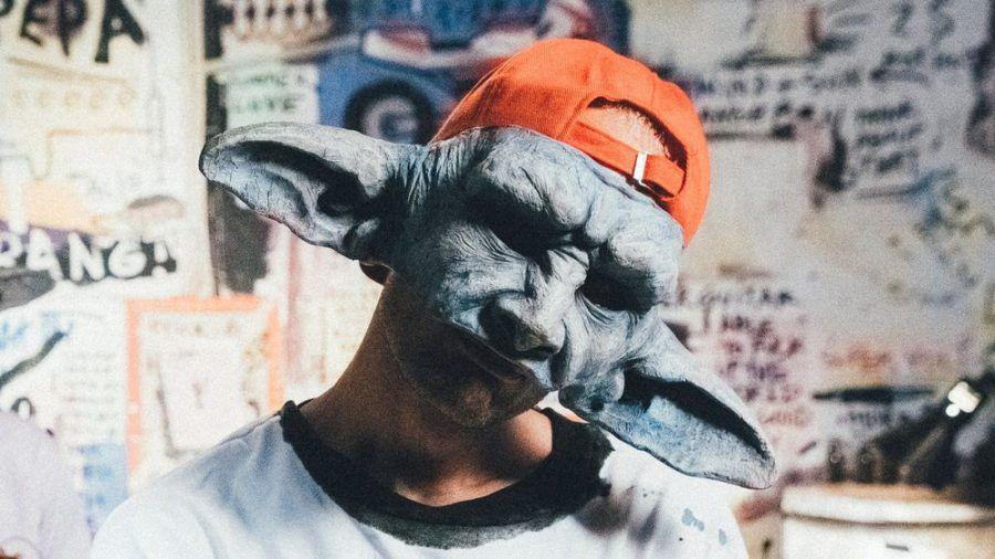 Für Carlo Waibel, alias Cro, gehört die Maske einfach dazu. (dr/spot)