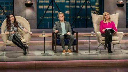 """Welche Deals wird er machen? Die """"Höhle der Löwen""""-Investoren begrüßen 2020 Nico Rosberg (Mitte) als neuen Löwen. (jom/spot)"""