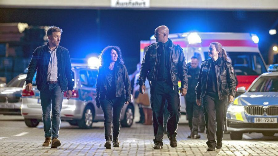 """Peter Fieseler (v.l.n.r.), Maria Ketikidou, Patrick Abozen und Wanda Perdelwitz werden im """"Großstadtrevier""""-Film zu sehen sein. (cos/spot)"""