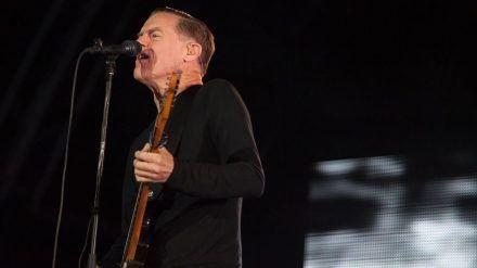 Auch Bryan Adams sollte in Düsseldorf auf der Bühne stehen (wag/wue/spot)