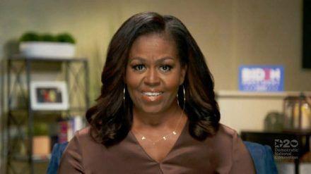 """Zog während einer Rede alle Augen auf sich: Michelle Obamas """"VOTE""""-Kette. (ncz/spot)"""