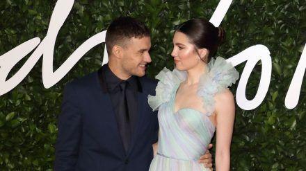 Liam Payne und Maya Henry bei den Fashion Awards 2019 in London (wue/spot)