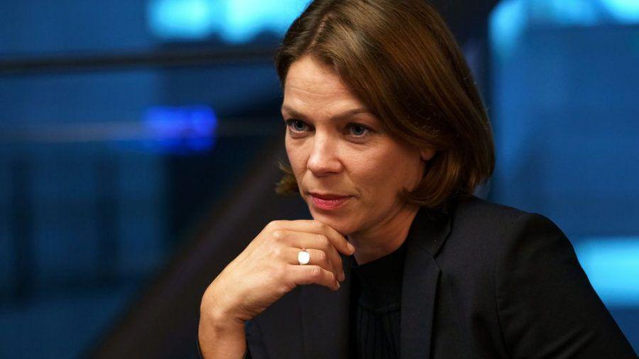 Jessica Schwarz spielt auch in Staffel zwei wieder Prof. Dr. Tanja Lorenz. (sob/spot)