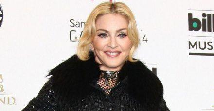 Madonna kifft und knutscht sich ihren 62. Geburtstag schön!