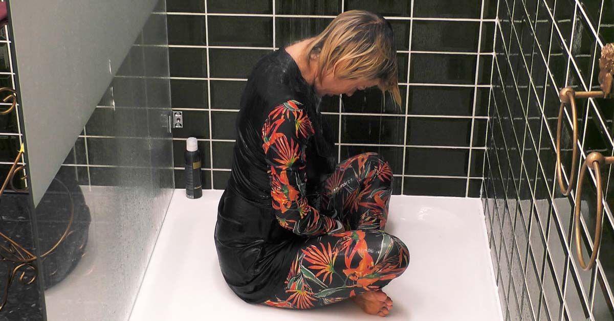 Schock: Katy Bähm klärt auf und Jasmin Tawil badet in Klamotten!
