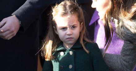 Charlotte weiß, dass sie eine Prinzessin ist und verhält sich auch so
