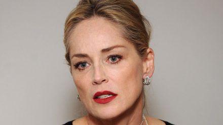 Sharon Stone musste sich in den vergangenen Wochen Sorgen um ihre Schwester machen. (wue/spot)