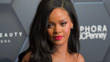 Rihanna hatte einen Unfall mit einem Elektroroller. (jom/spot)