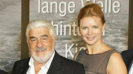 Mario Adorf und Veronica Ferres bei einem gemeinsamen Fototermin im Jahr 2010 in Wien. (ili/spot)