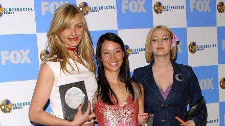 """20 Jahre ist es her, als Cameron Diaz (l.) Lucy Liu (Mitte) und Drew Barrymore zu den """"3 Engel für Charlie"""" wurden (stk/spot)"""