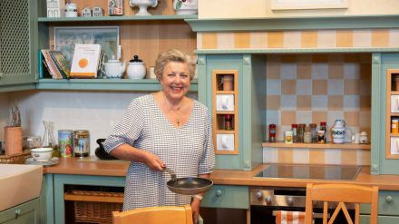 """Marie-Luise Marjan in """"ihrer"""" """"Lindenstraße""""-Küche im Haus der Geschichte in Bonn. (dr/spot)"""