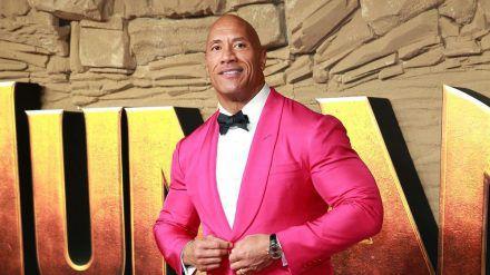 Dwayne Johnson ließ seine Muskeln spielen, um zur Arbeit zu gelangen (amw/spot)