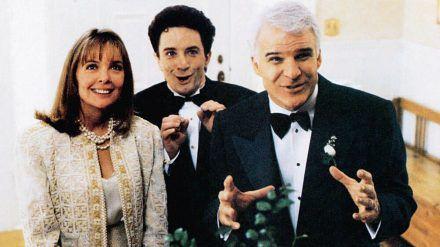 """Diane Keaton, Martin Short (Mitte) und Steve Martin in """"Vater der Braut"""". (cos/spot)"""