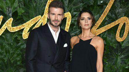 David und Victoria Beckham senden Grüße aus dem Schwarzwald. (jom/spot)