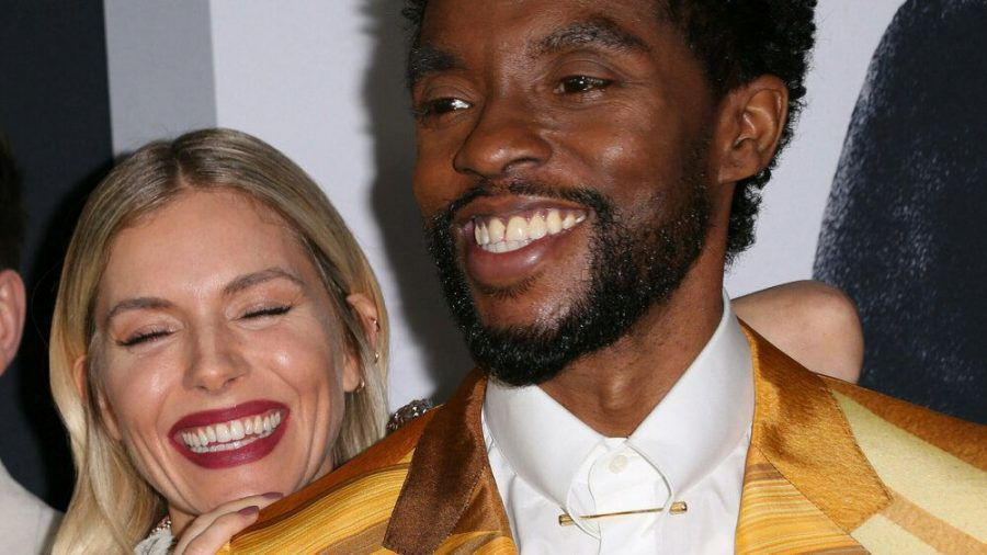 """Chadwick Boseman und Sienna Miller bei der Premiere von """"21 Bridges"""" (wue/spot)"""