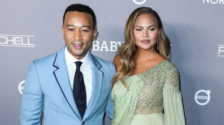 Chrissy Teigen und Ehemann John Legend erwarten ihr drittes gemeinsames Kind (stk/spot)