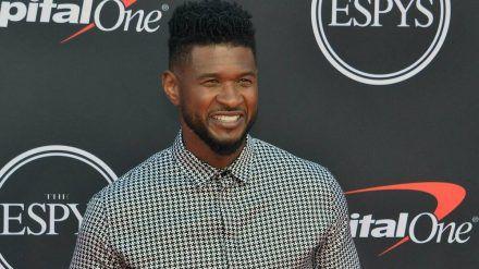 Usher freut sich über die Geburt seiner Tochter. (jom/spot)