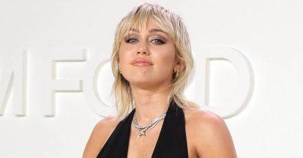 Miley Cyrus zeigt sich fast nackt auf Instagram!