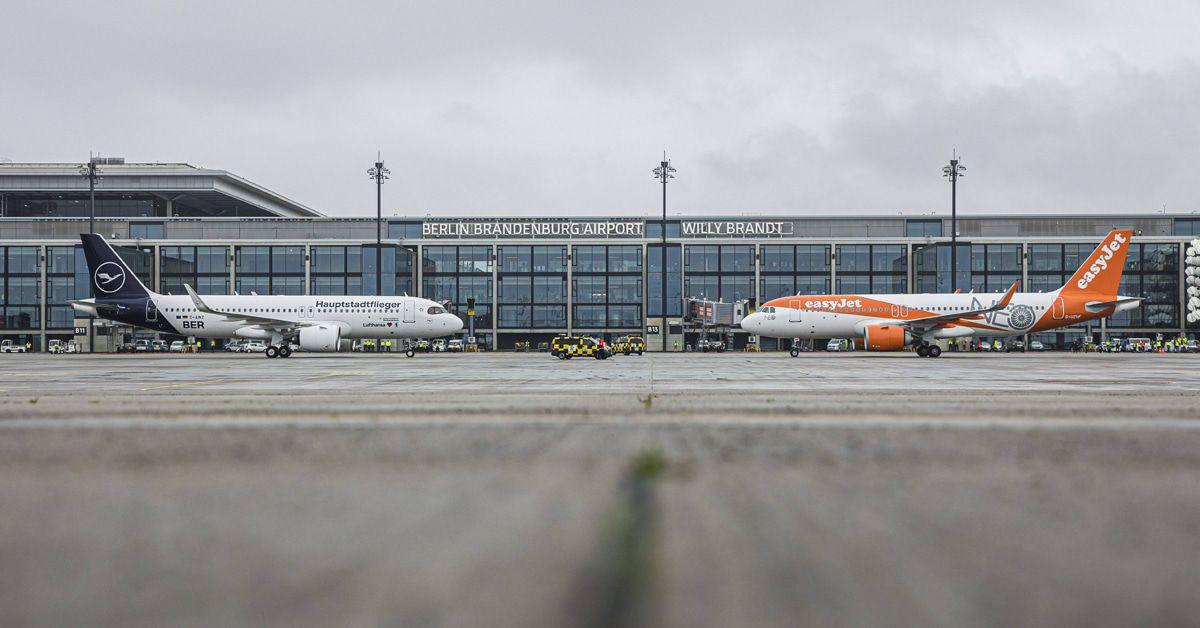 Die lustigsten Reaktionen auf die BER-Flughafeneröffnung