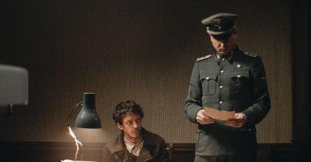 Gilles (Nahuel Perez Biscayart) soll Klaus Koch (Lars Eidinger) Farsi beibringen.