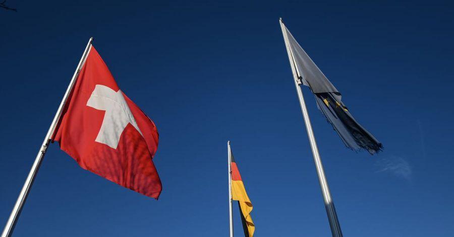 Die Schweiz hat die beiden Stadtstaaten Berlin und Hamburg zu Risikogebieten erklärte. Eine Anreise von dort aus ist daher mit einer zehntägigen Quarantäne verbunden.