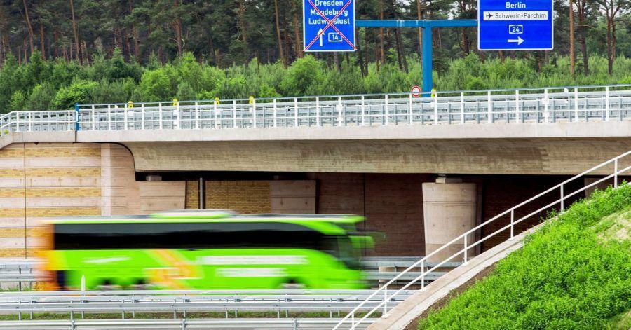 Unterwegs mit einem Fernbus in Mecklenburg-Vorpommern: Fahrgäste haben hier klar festgelegte Rechte.