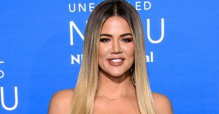 Reality-TV-Star Khloé Kardashian war mit dem Coronavirus infiziert und spricht über ihre Erfahrungen.