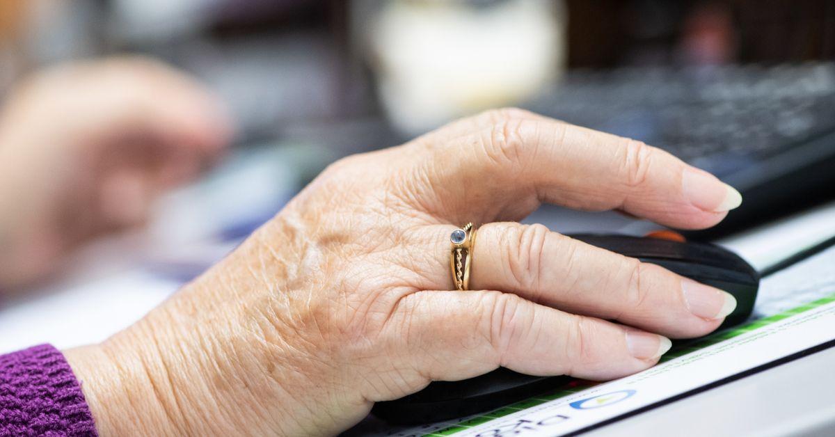 Ältere Menschen mehr im Netz unterwegs