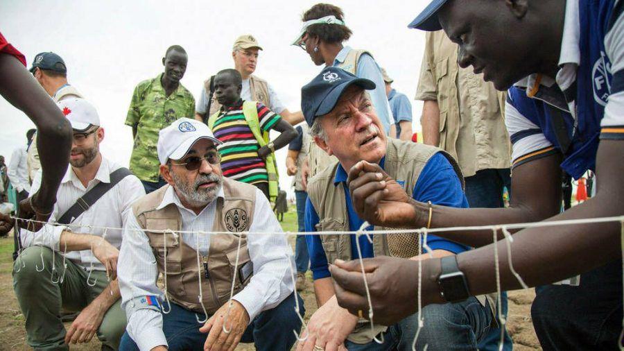 "David Beasley (M.) ist der Exekutivdirektor des ""World Food Programme"". (jom/spot)"