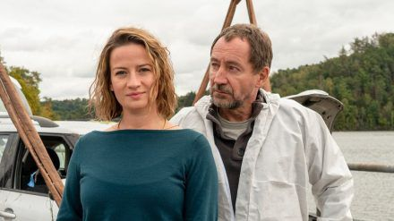 "Neuer Samstagskrimi ""Theresa Wolff"": Theresa Wolff (Nina Gummich) und Robert Brückner (Thorsten Merten) ermitteln in Thüringen (ili/spot)"