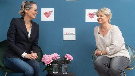 """Schauspielerin Andrea Spatzek zu Gast beim Live-Event """"Single, 50+ sucht..."""" (spot)"""