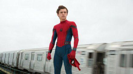 """""""Spider-Man: Homecoming"""": Peter Parker (Tom Holland) hat wieder alle Hände voll zu tun (cg/spot)"""