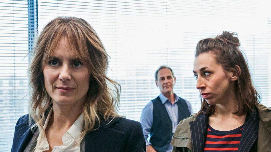 Isabelle Grandjean (Anna Pieri Zuercher, l.) und Kommissarin Tessa Ott (Carol Schuler) sind das neue Ermittler-Duo aus Zürich. (dr/spot)