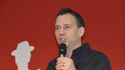 Sebastian Fitzek bei einem Auftritt in Leipzig- (hub/spot)