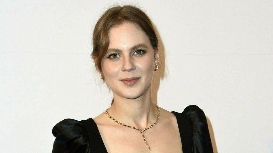 Alicia von Rittberg verwandelt sich für eine US-Serie in Elizabeth I. (jom/spot)