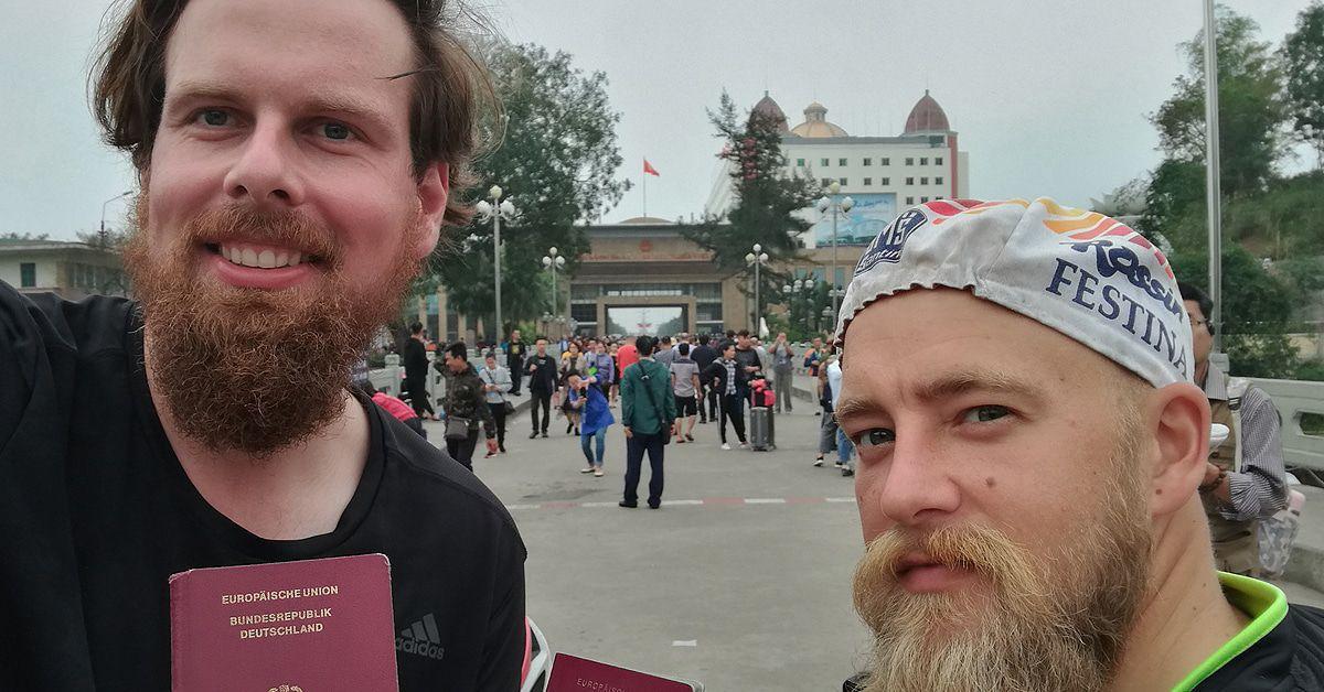 """""""Verplant"""": Otti und Keule strampeln mit dem Fahrrad nach Vietnam"""