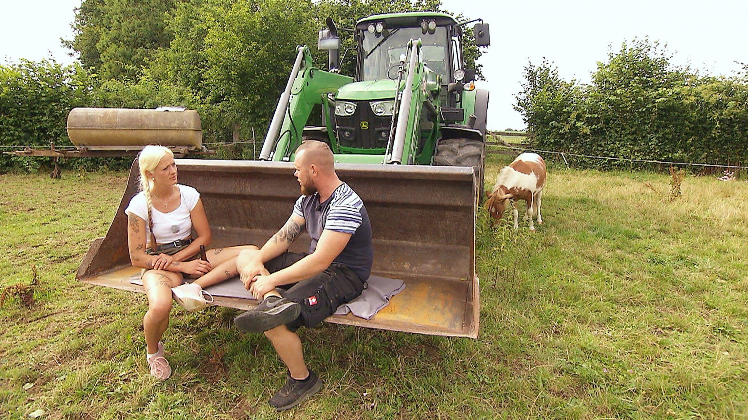 """""""Bauer sucht Frau"""": Gibt es erste Küsse in den Hofwochen?"""